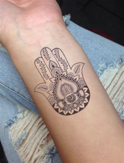 hamsa tattoo 16 cool hamsa tattoos on wrist