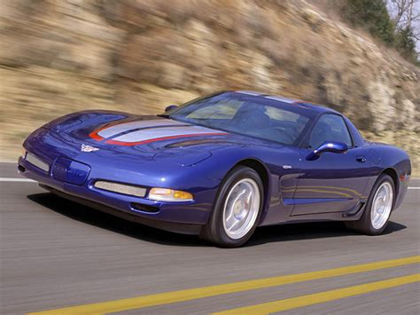 chevrolet corvette  commemorative edition review