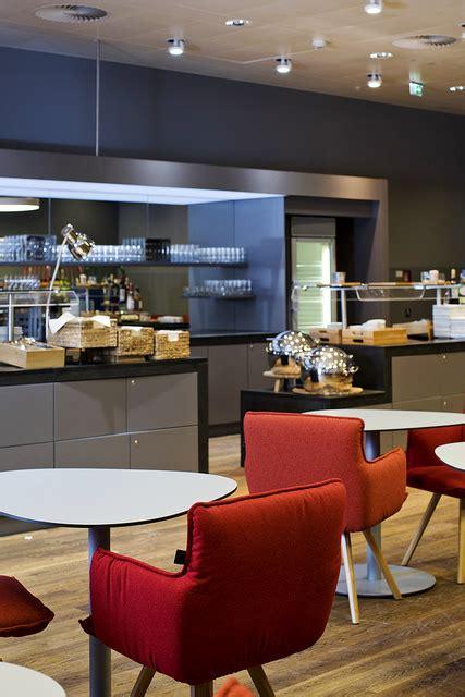 vienna airport lounge syntax architecture illichmann newly designed senator lounge opens at vienna airport