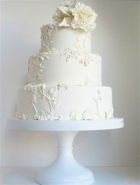 40  Elegant and Simple White Wedding Cakes Ideas