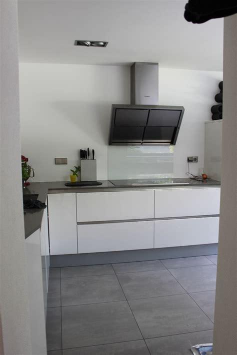 keuken greeploos hoogglans wit sittard strakke keuken wit hoogglans