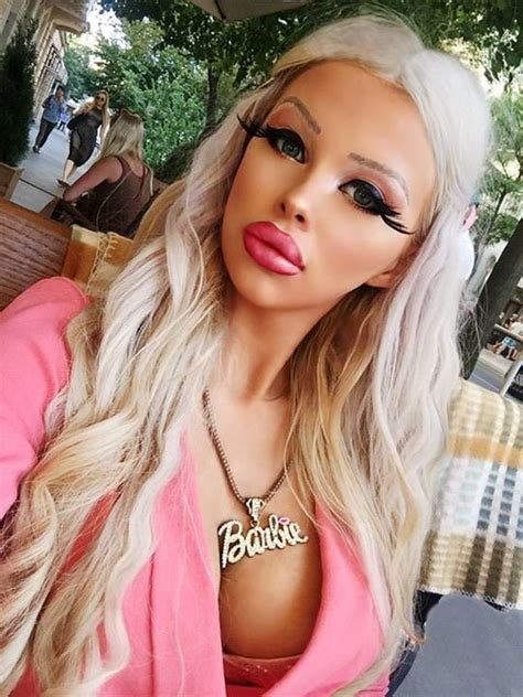 Black Make Up Vanity Teenager Spends 163 1 000 Of Her Parent S Money Every Month
