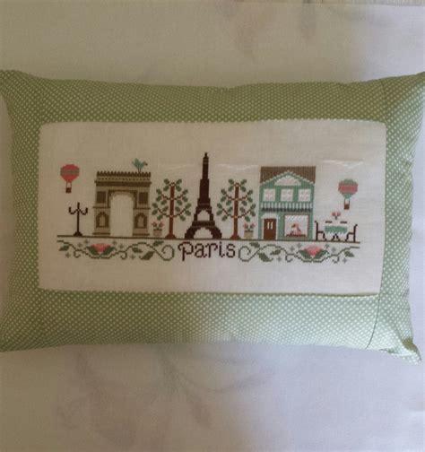 cuscini fatti a mano cuscino fatto a mano ricamato a punto croce su lino per