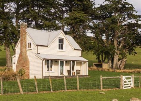 farmhouse cottage house plans small farmhouse plans country cottage charm