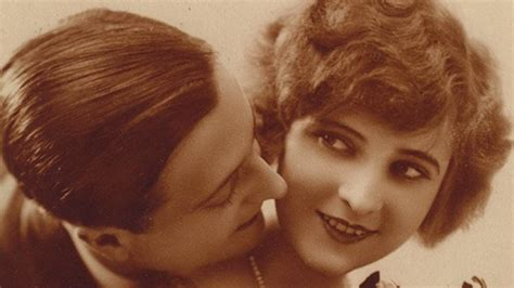 F. Scott Fitzgerald Marries ?The First American Flapper