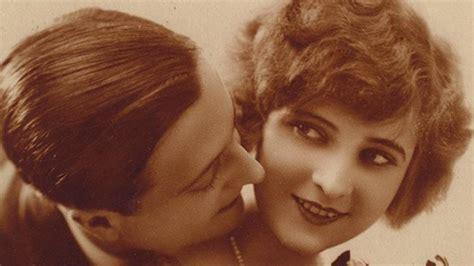 scott fitzgerald marries   american flapper