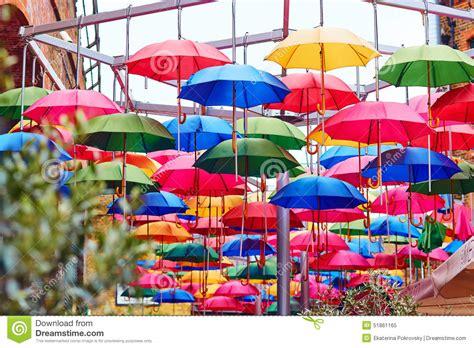 Waterfront Home Plans parapluies color 233 s sur une rue de londres photo stock