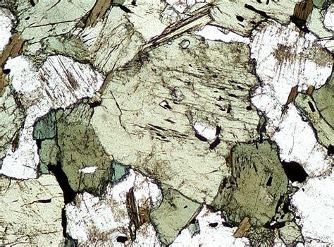 omphacite in thin section roches du m 233 tamorphisme de la cro 251 te oc 233 anique cours et