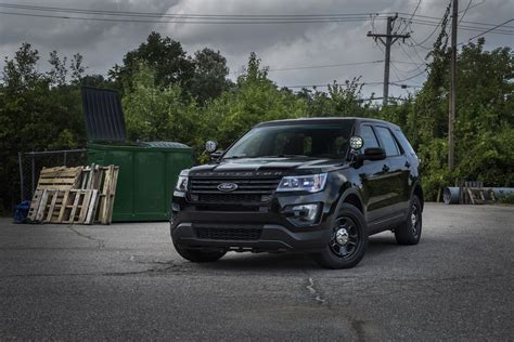Light Bars For Cars by Speeders Beware Ford Develops Stealthy Light Bar For Cop Cars