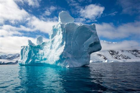 What Is The Largest Shelf In Antarctica by One Of The Largest Icebergs Recorded Breaks