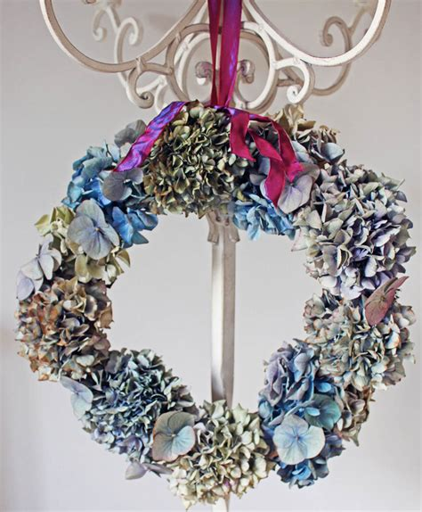 Linking Laces By Paul Harris Tutorial how to make a dried hydrangea wreath apartment apothecary