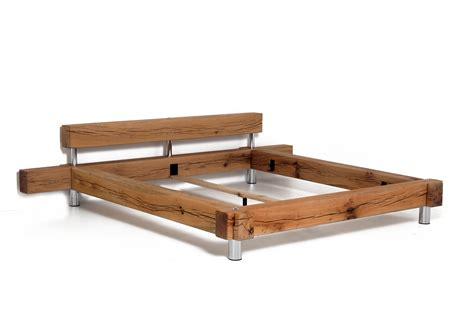 bett alte balken bett massivholz balken beste bildideen zu hause design