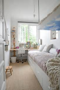 How To Decorate A Small Bedroom by How To Decorate A Long And Narrow Bedroom