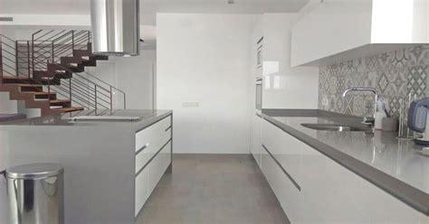 azulejos de cocinas modernas una pared de azulejos elemento clave para decorar la