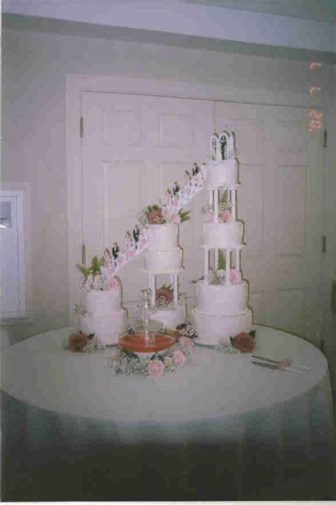 Cake Tier Cake Fontain Plastik Putih 1000 images about cakes with stairs on beautiful wedding cakes 8 tier wedding