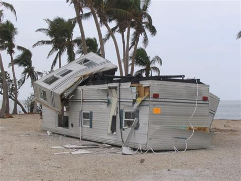 trailer house insurance mobile homes extreme weather 800 771 7758 call now