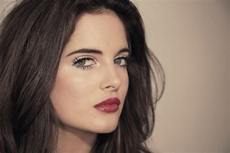 dark red lipsticks on pinterest fashion fair makeup red lipstick fair skin dark hair green eyes your secrets