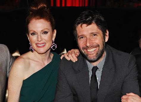 hollywood actresses with younger husbands julianne moore and bart freundlich famous women with