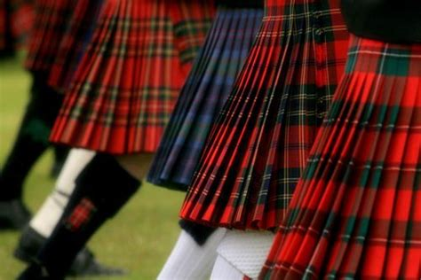 pattern colorful kilt kilts that sway so the pleats flip and change color