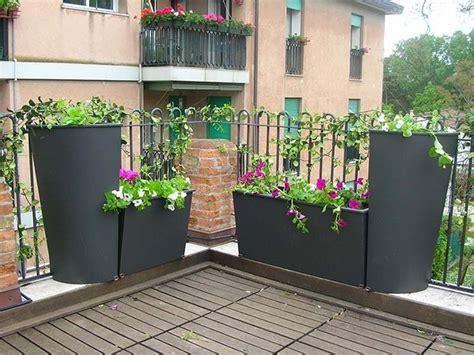 vasi da giardino in cemento fioriere in cemento vasi la caratteristiche delle