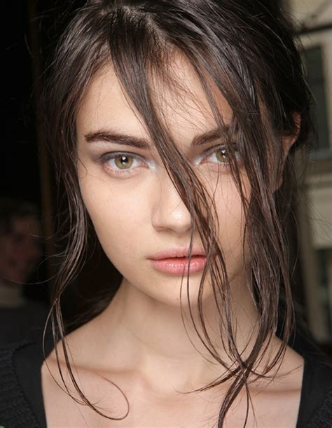 wet and messy hair look wet look hairstyles for women wardrobelooks com