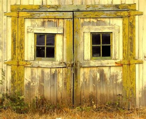 Yellow Barn Door 1000 Ideas About Yellow Doors On Doors Yellow Front Doors And Front Doors