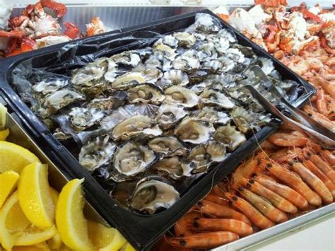 seafood buffet oysters and crab seafood buffet oysters and crab picture of terraces