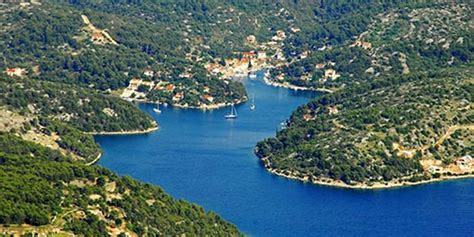 anchor boat overnight top bays in croatia for anchoring overnight luxury yacht