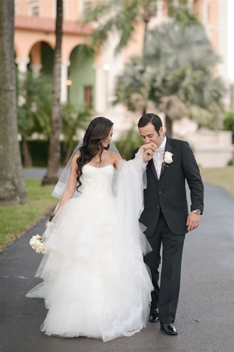 Unique Wedding Photos Of And Groom by Unique And Groom Wedding Photo Ideas Www Imgkid