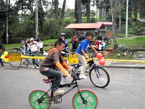 imagenes de niños jugando en bicicleta dia de la bicicleta carrera lenta ni 241 os youtube