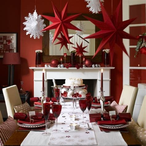 40 traditional christmas decorations digsdigs 40 christmas decoration ideas in all shades of red digsdigs