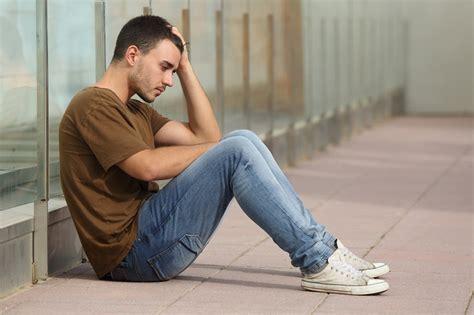 imagenes de jovenes tristes c 243 mo ayudar a tu hijo a adolescente ante una ruptura amorosa