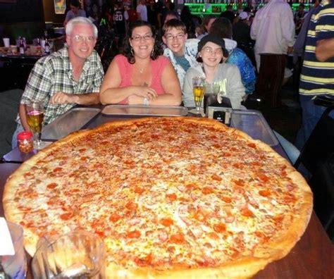big pizza tiny pizza food pizza likea big pizza pie pizza
