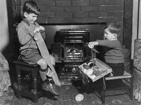 bbc primary history world war 2 wartime homes evacuee boy ww2