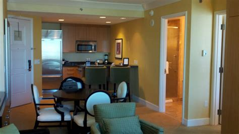 trump las vegas one bedroom suite kitchen and guest bathroom in premium corner one bedroom