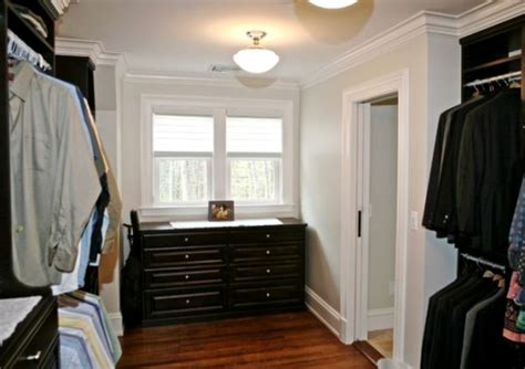 Small Closet Island by 25 Interesting Design Ideas And Advantages Of Walk In Closets