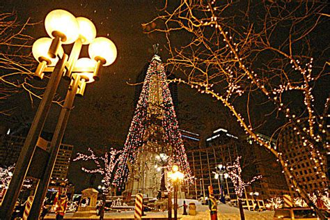 lighting of the christmas tree indianapolis indianapolis monument circle worlds tallest christmas
