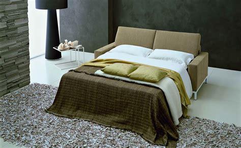 bettdecke verstauen sofa mit schlaffunktion das schlafsofa