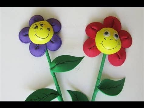 como hacer flores de goma eva adorno para fiestas flor de goma eva manualidades para