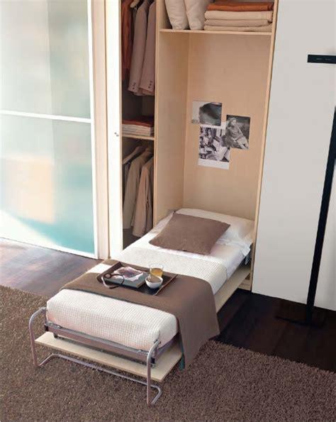 letto a ribalta verticale letti a scomparsa ribalta mobili letto doimo