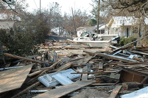 hurricane katrina houses file damage and destruction to houses in biloxi