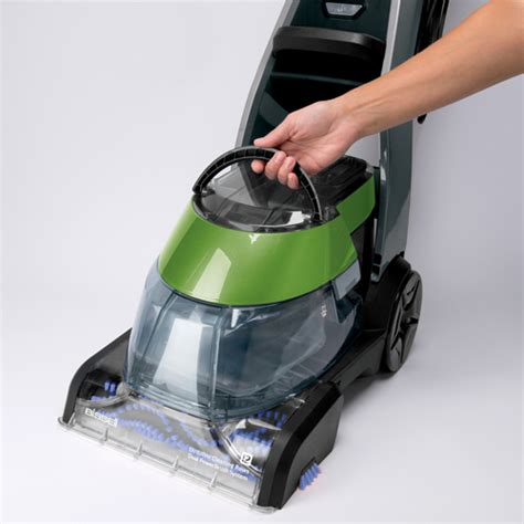 vacuum rug cleaner carpet cleaner vs vacuum cleaner what are the differences