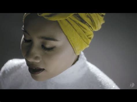 Yuna Abu langit videolike