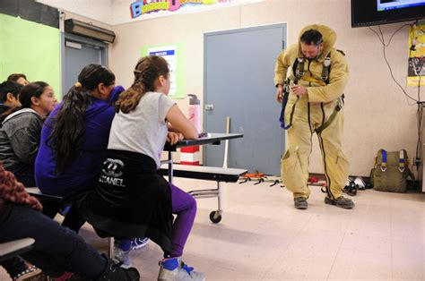 Brawley Native Smokejumper Presents To Fourth Graders At