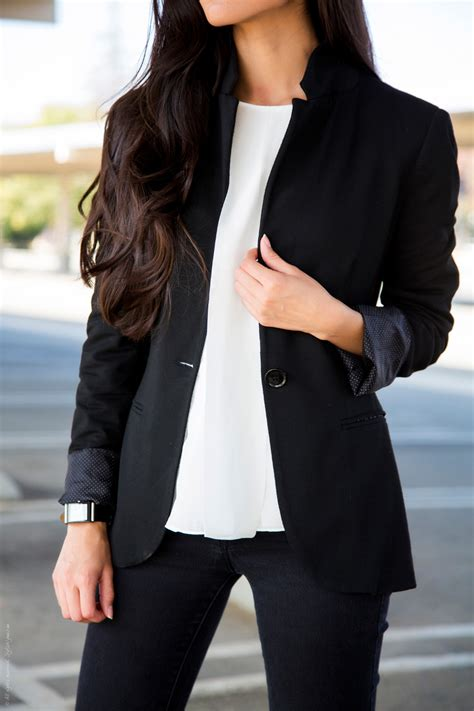 white blazer neutral colored tank black jeans pants how to wear jeans to work lifestuffs