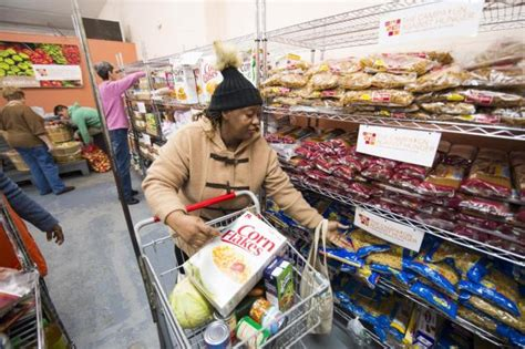 New York City Food Pantry by Exclusive Nyc Food Pantries Low On Money Need Volunteers Ny Daily News