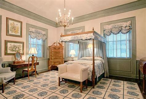 colonial interior design non creepy colonial interior bedroom