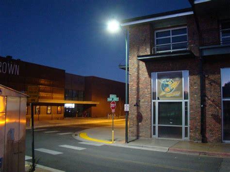 Landscape Lighting Vero Crossroads Led Uses Bridgelux Vero 174 Series In Historic