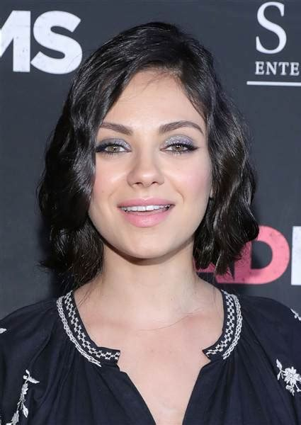 Mila Kunis' hair is in a bob now ? see the look   TODAY.com