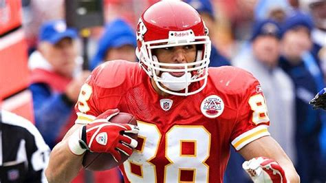 tony gonzalez nfl football statistics pro football tony gonzalez headlines best draft picks by kansas city